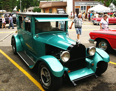 N St Paul - History Cruze Car Show