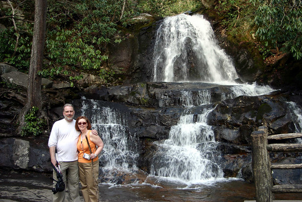 In 2006 we had a spring tour of SMNP with the Carlsons. We used Pigeon Forge as our base.  Laurel Falls- The roundtrip distance to the waterfall is 2.6 miles and the hike is considered moderate in difficulty. It takes about 2 hours to hike to the waterfall and back.